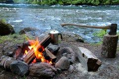 Ognisko i cioska z cofeepot rzeką Obraz Royalty Free