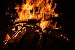 Ognisko zaświeca przy nocą, wielki gorący Obraz Royalty Free