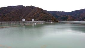 Ogochi fördämning eller sjö Okutama stock video