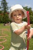 ogród podlewanie chłopcze Obrazy Royalty Free