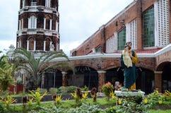Ogród przed Nuestra Sra Delos Remedios kościół obrazy stock