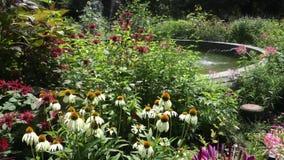 Ogród z fontanną zbiory