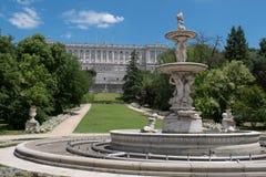 Ogródy wokoło Royal Palace Madryt, Hiszpania Fotografia Royalty Free
