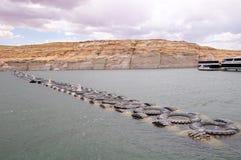Ograniczenie ciężarówka męczy w w Jeziornym Powell Zdjęcie Royalty Free