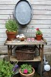 ogrodowy stół Zdjęcia Royalty Free