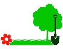 Ogrodowy tło z drzewem, łopatą, trawą i kwiatem, Zdjęcie Royalty Free