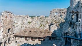 Ogrodzieniec老城堡废墟  免版税图库摄影