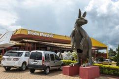 Ogromna kangur rzeźba dla turystów przy Rodo mistrzem obrazy royalty free