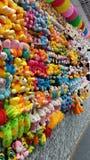 Ogromna liczba małe miękkie zabawki Zdjęcia Royalty Free