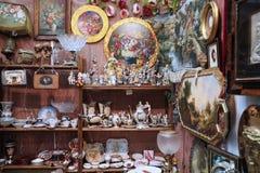 Ogromna liczba rocznik ceramika, figurki fotografia stock