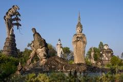 Ogromne statuy w rzeźba parku - Nong Khai, Tajlandia zdjęcie stock