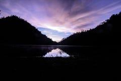 Ogromny jezioro na średniogórzu Dzwoniącym jako Ranukumbolo Obraz Stock