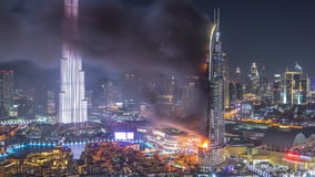 Ogromny Pożarniczy wypadek zdarzał się od adresu hotelu przed nowego roku świętowania 2016 timelapse zdjęcie wideo
