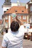 Ogrzewa w mieście na ulicie w praży gorących dniach fotografia stock