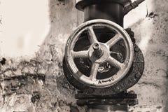 Ogrzewanie metalu drymby z żeliwnymi klapami Zdjęcia Royalty Free