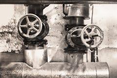 Ogrzewanie metalu drymby z żeliwnymi klapami Zdjęcie Royalty Free