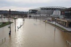 Ohio River som översvämmar 2018 i Cincinnati royaltyfria foton