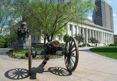 Ohio-Statehouse und -kanone Stockbilder