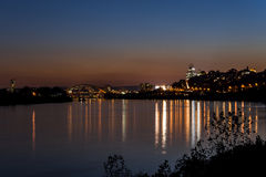 Ohio- u. Cincinnati-, Ohio Skyline am Sonnenuntergang/an der blauen Stunde stockbilder