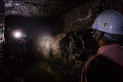 Ohkubo Mineshaft Prowadząca wycieczka turysyczna obrazy stock