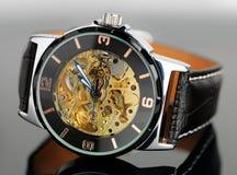Ohne Markenzeichen traditionelle Armbanduhr lizenzfreie stockbilder