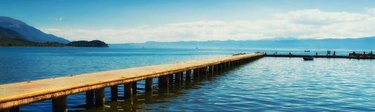 Ohrid日落的湖海滨广场 库存照片