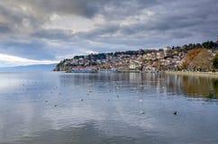 Ohrid Makedonien - gammal stad - panorama royaltyfri fotografi