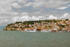 Ohrid med molnig himmel arkivfoton
