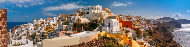Oia或Ia,圣托里尼,希腊全景  免版税库存图片