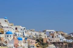 Oia村庄在圣托里尼,希腊 免版税库存图片