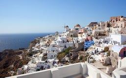 Oia村庄看法圣托里尼海岛的 库存照片
