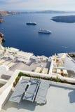 Oia豪华甲板和露台 库存照片