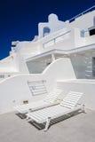 Oia豪华甲板和露台 免版税库存图片