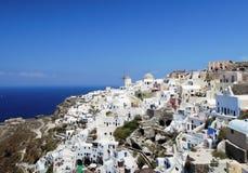 Oia镇在圣托里尼希腊海岛上的  免版税库存图片