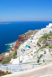 Oia镇看法在圣托里尼海岛上的 免版税库存照片