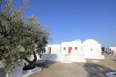 Oia παραδοσιακές μορφές εκκλησιών στο νησί Santorini Στοκ εικόνες με δικαίωμα ελεύθερης χρήσης