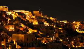 Oia τη νύχτα, Santorini, Ελλάδα στοκ εικόνα