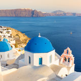 Oia-Dorf auf Santorini-Insel, Griechenland Stockbilder