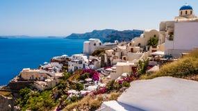 Oia en la isla de Santorini Grecia Imagenes de archivo