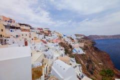 Oia en la isla de Santorini Grecia Oia Arcilla blanca, edificios blancos foto de archivo
