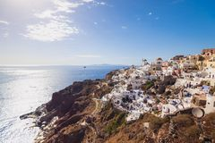 Oia en la isla de Santorini Grecia Oia Arcilla blanca, edificios blancos imagen de archivo libre de regalías