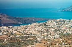 Oia, ilha de Santorini - ajardine no verão Fotografia de Stock Royalty Free