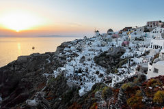 Oia Santorini no por do sol Fotografia de Stock Royalty Free