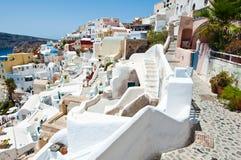 Oia snijden-in gebouwen op het Eiland Thera (Santorini), Griekenland Royalty-vrije Stock Fotografie