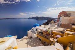 Oia sull'isola di Santorini La Grecia OIA Argilla bianca, costruzioni bianche Fotografie Stock Libere da Diritti