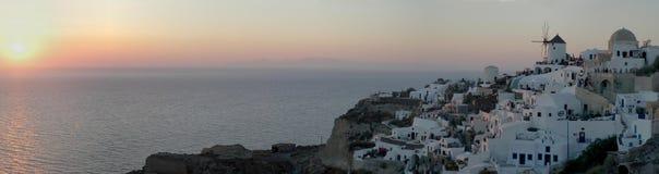 Oia zonsondergang (het beeld van parlementslid 30) royalty-vrije stock afbeelding