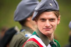 Oidentifierade deltagare som firar nationell självständighetsdagen en republik av Polen Royaltyfri Foto