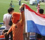Oidentifierade holländska fotbollfans för match för UEFA-EURO 2012 Royaltyfri Bild