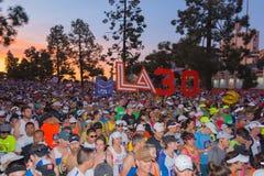 Oidentifierade löpare i början av den 30th LAmaraton Editio Royaltyfri Fotografi