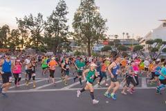 Oidentifierade löpare som deltar i den 30th LAmaraton Editi Royaltyfri Fotografi